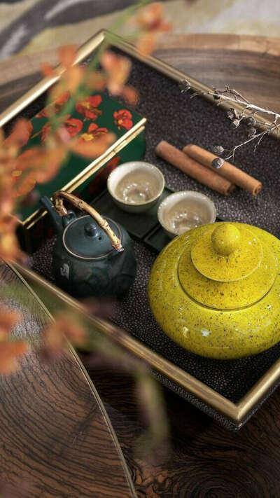 Участвовать в чайной церемонии