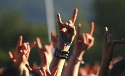 Билет на рок концерт.