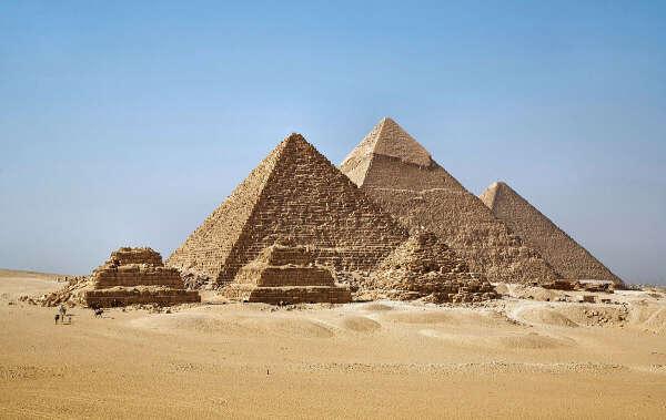 Потрогать египетские пирамиды