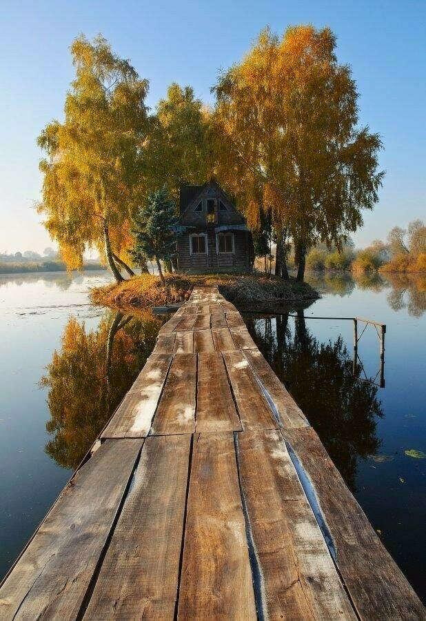 Охотничий домик на острове любви. Село Солотвин, Житомирская область, Украина .
