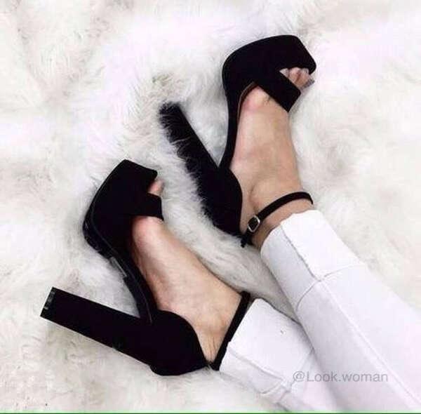 Черные туфли замша