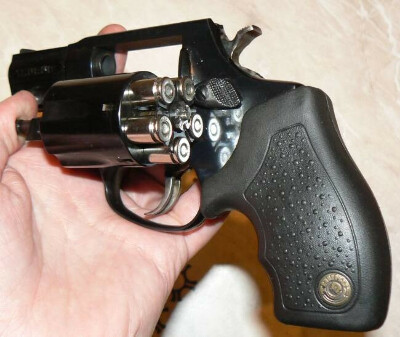 Травматический пистолет Taurus LOM-13
