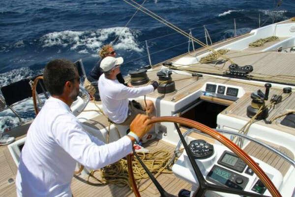 Управление яхтой (яхтинг)