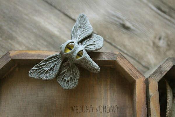 Заколка глазастый мотылек от Medusa Vorona