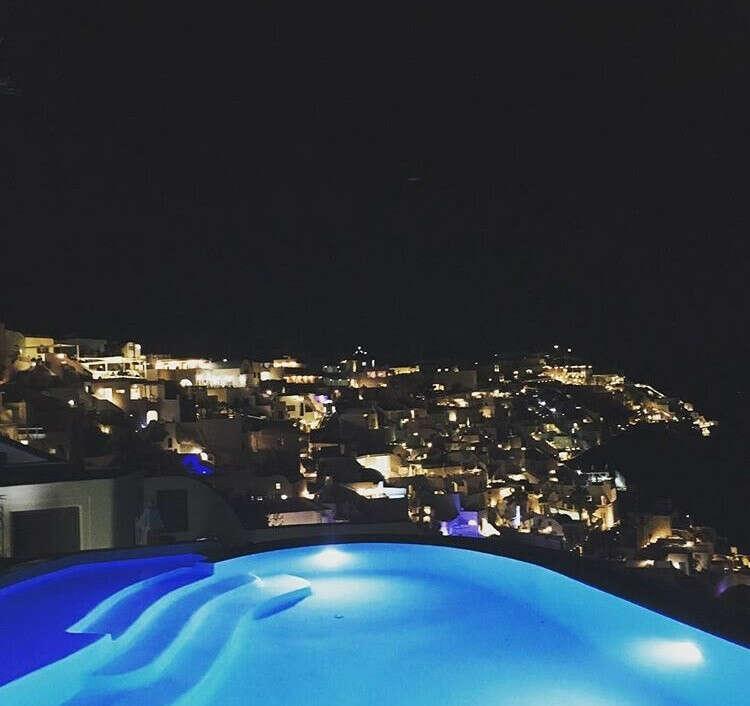 Посетить Santorini