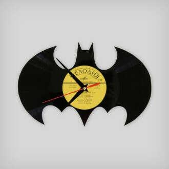 Часы из пластинки BATMAN http://vinylmade.nethouse.ru/products/329384