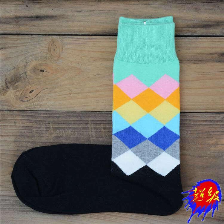 Яркие носки под ботинки
