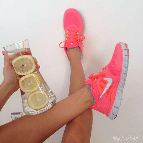 Розовые кросовки :)