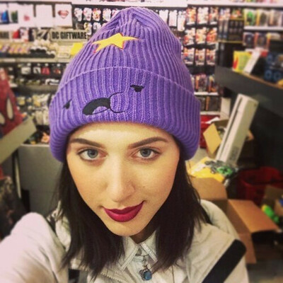 Такую же шапку как у kate clapp