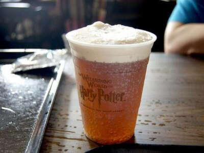 Попить сливочное пиво в Wizarding World of Harry Potter