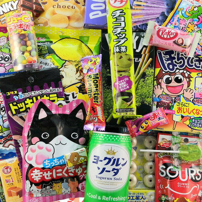 Коробки с Японскими сладостями и снеками