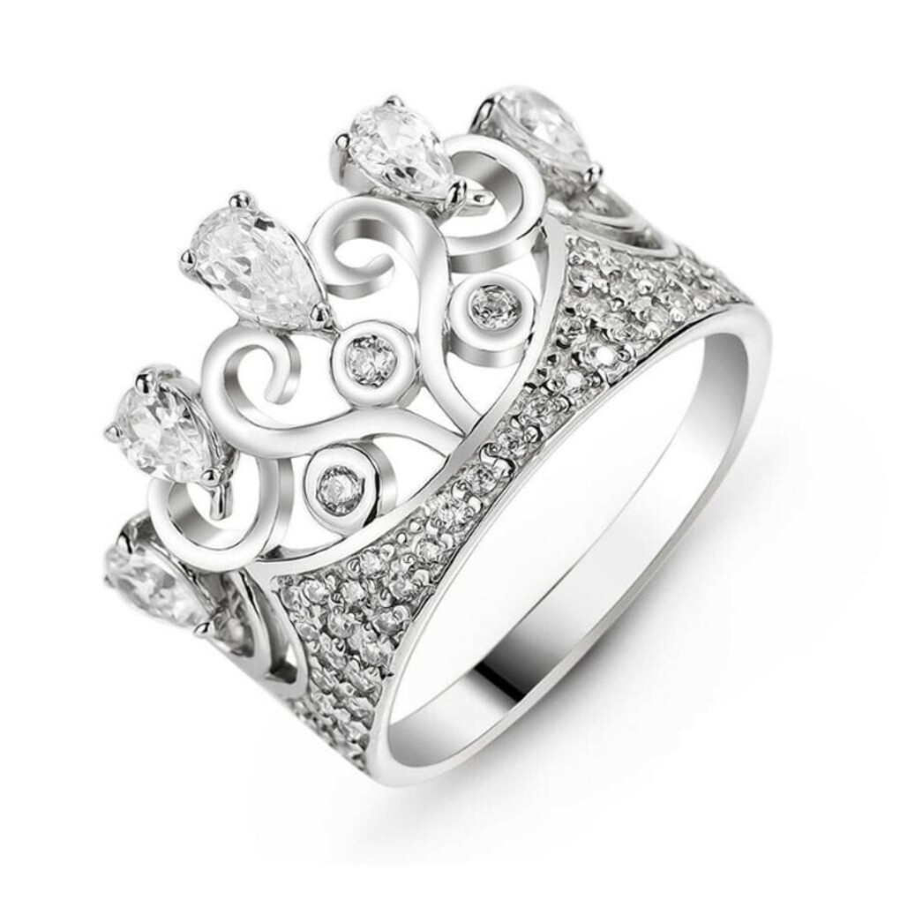 Красивое серебряное кольцо