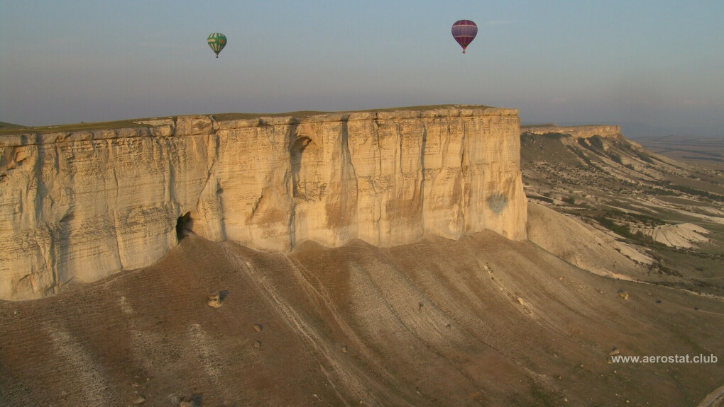 Полет на воздушном шаре возле Белой скалы
