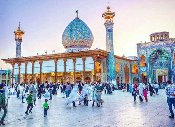 Посетить Иран