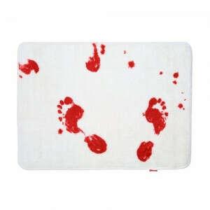 Кровавый коврик для ванной