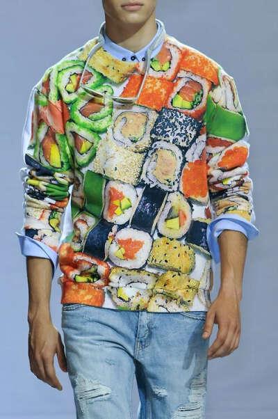 свитер с суши