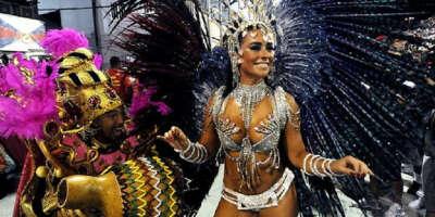 Посетить карнавал в Рио