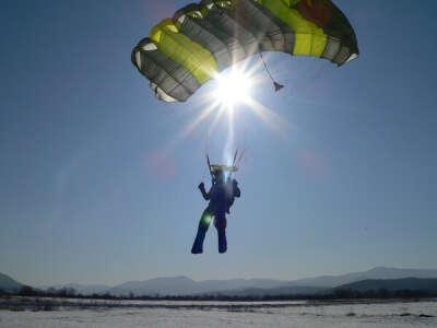 прижок с парашута