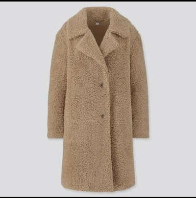 Флисовое бежевое пальто чебурашка от юникло
