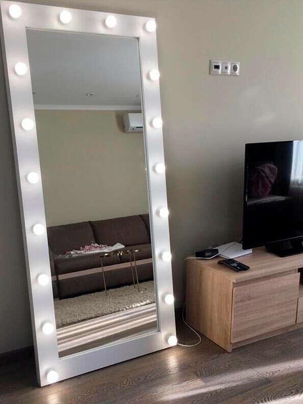 Гримерные зеркала с лампочками -GM Mirror