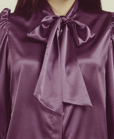 Блуза с воротником-бантом