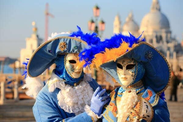 Попасть на Венецианский карнавал