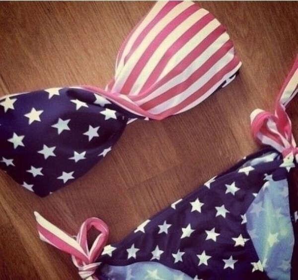 Купальник с флагом США!)