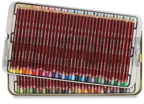 пастельные или акварельные карандаши