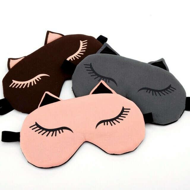 Прикольная маска для сна из дышашей ткани