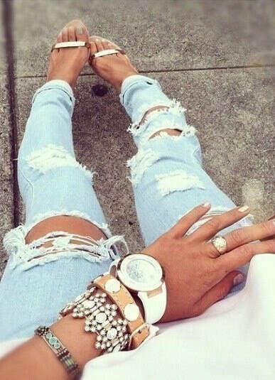 Красивые рваные джинсы