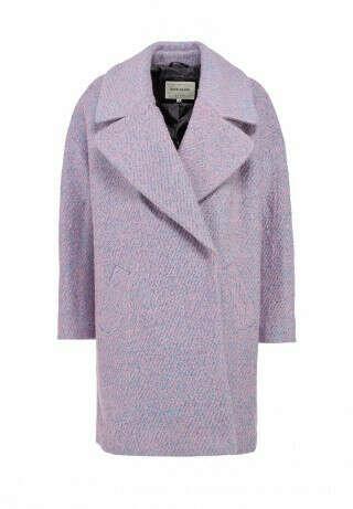 Сиреневое пальто в стиле нормкор