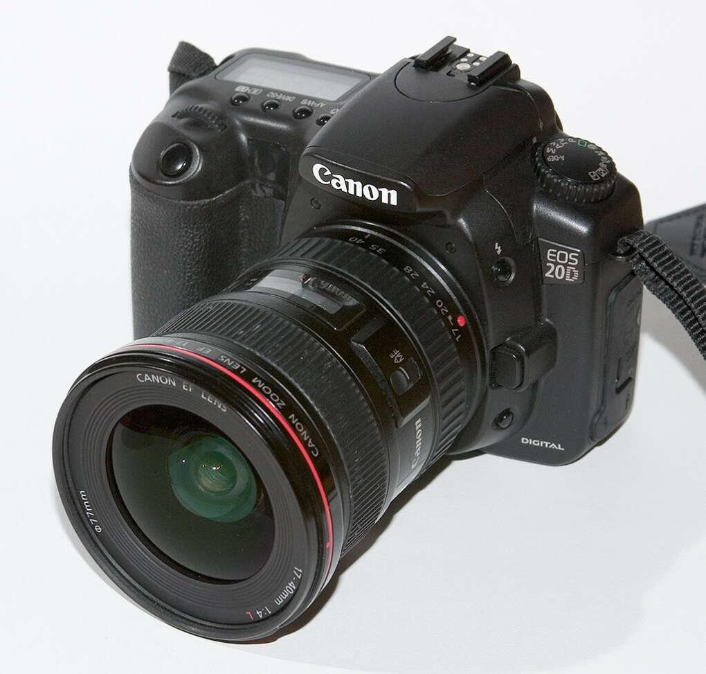Я очень хочу камеру Canon,чтобы снимать все вокруг:))