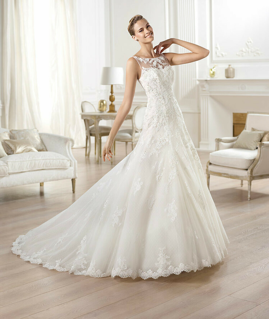 Odariz wedding dress by Pronovias