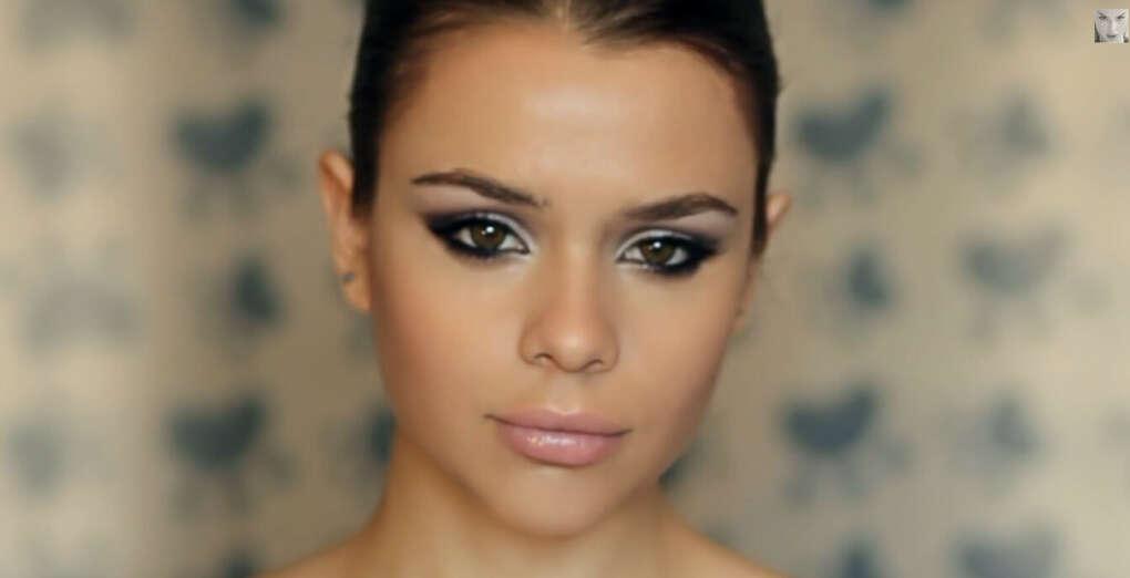 Делать красивый макияж