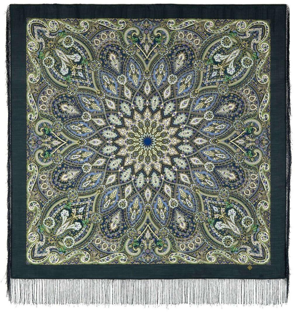 Шерстяной платок с шелковой бахромой