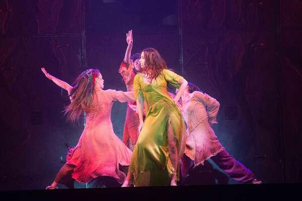 Попасть на оригинальную постановку «Notre Dame de Paris» или Ромео и Джульетта