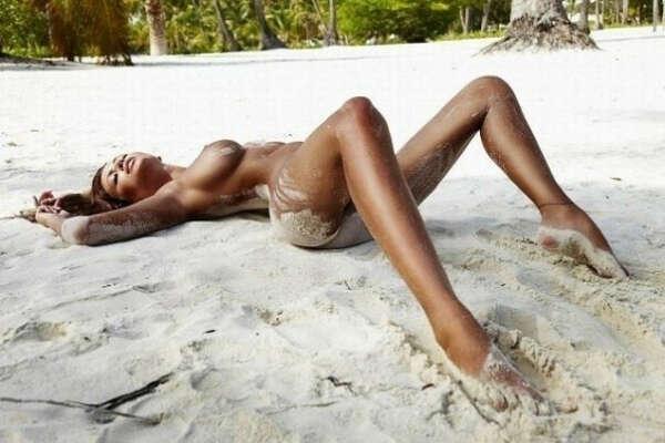 Уехать отдыхать на белый песок