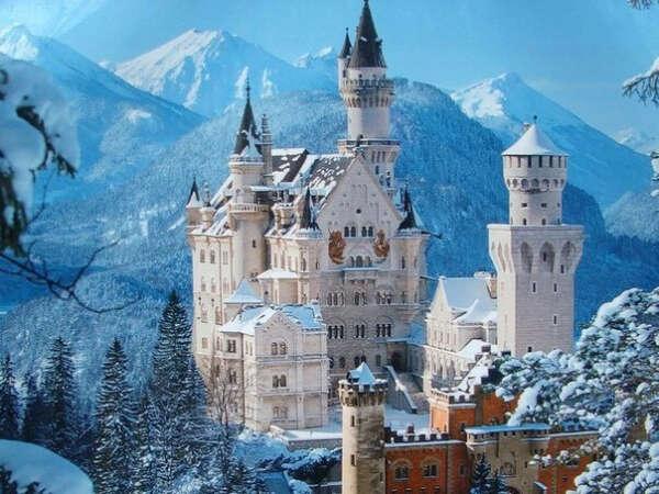 Посетить замок Нойшванштайн в Германии