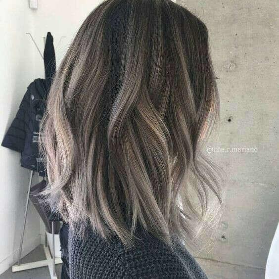 Помалювати волосся