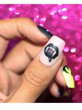 Слайдеры для ногтей с Хэллоуиновской тематикой
