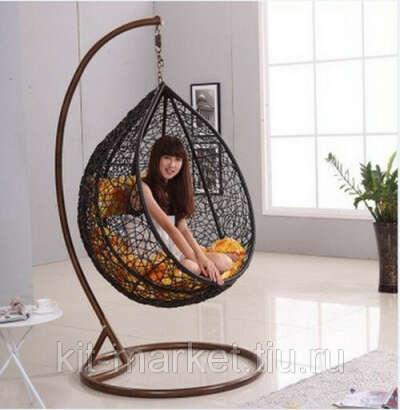 Плетёное подвесное кресло-яйцо