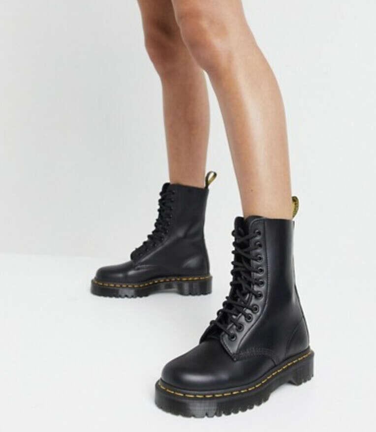 Черные ботинки Dr Martens 1490 10 Eye Bex
