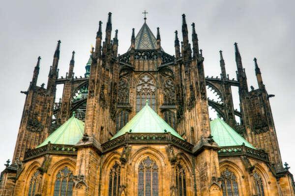 Съездить в Прагу