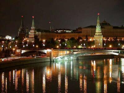 Погулять по ночной Москве