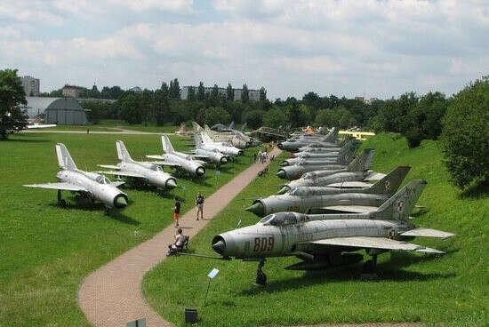 Посетить Музей польской авиации в Кракове