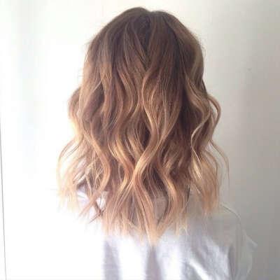 перекрасить волосы