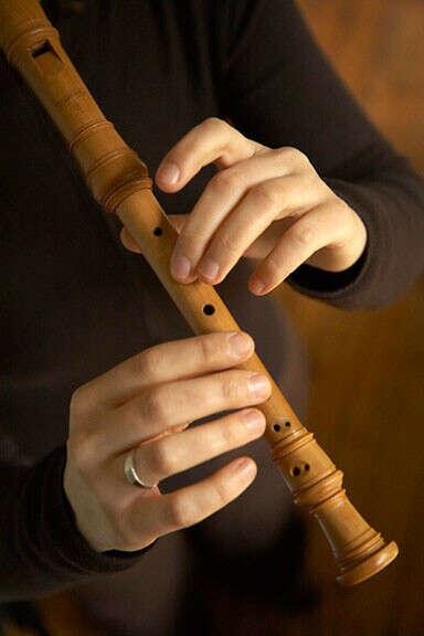 Научиться играть на  блок-флейте