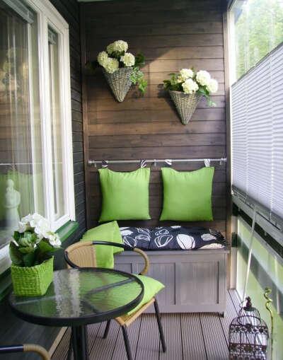 Уютно обустроить балкон
