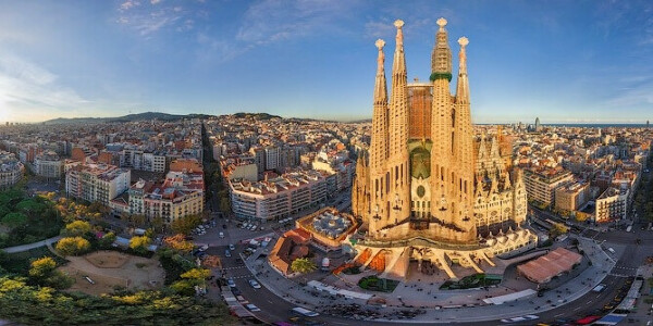 Побывать в Барселоне (Испания)