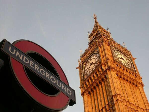 Поехать в Лондон!